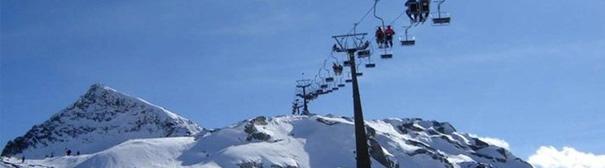 Cornelia_Berwang_skilift_wintersport_skiën_skipiste,Cornelia_berwang_Skilift_winterurlaub_skiën_skipiste,Cornelia_Berwang_skilift_winterholiday_skiing_skislope